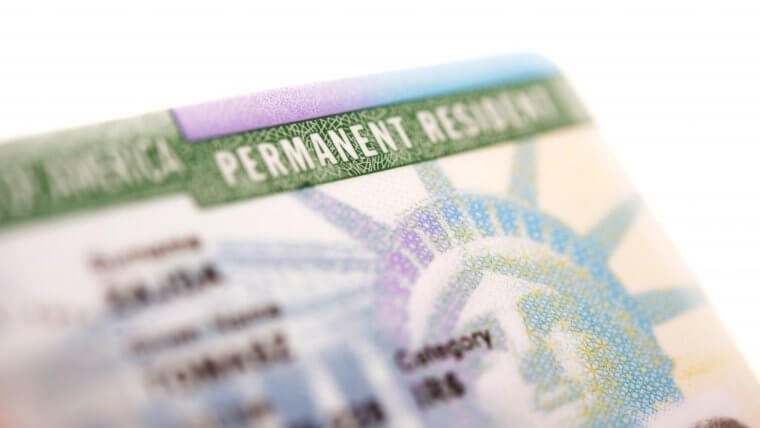 Green card holder? 5 Reasons Why You Should Naturalize