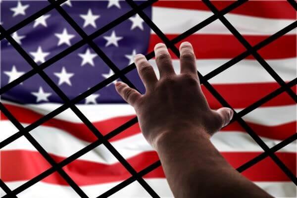 Qué hacer en caso de estar en peligro de una deportación